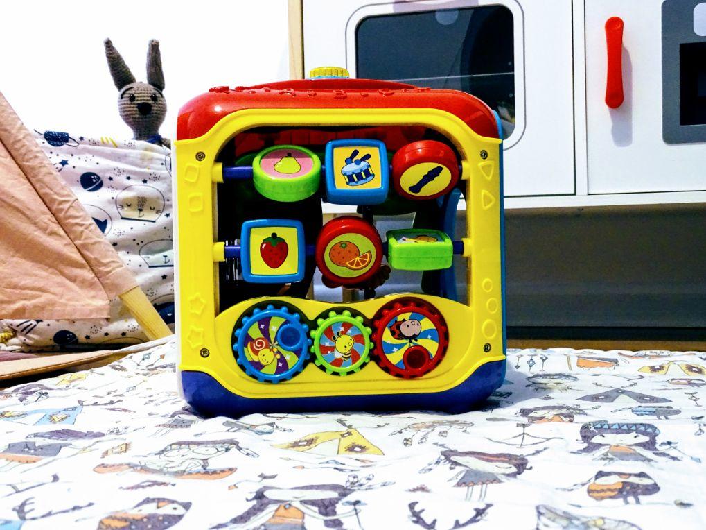 grająca zabawka dla niemowląt