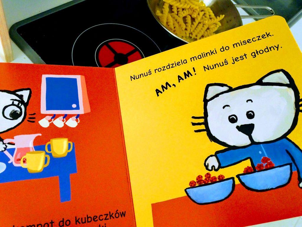 Kicia Kocia i Nunuś w kuchni książeczka