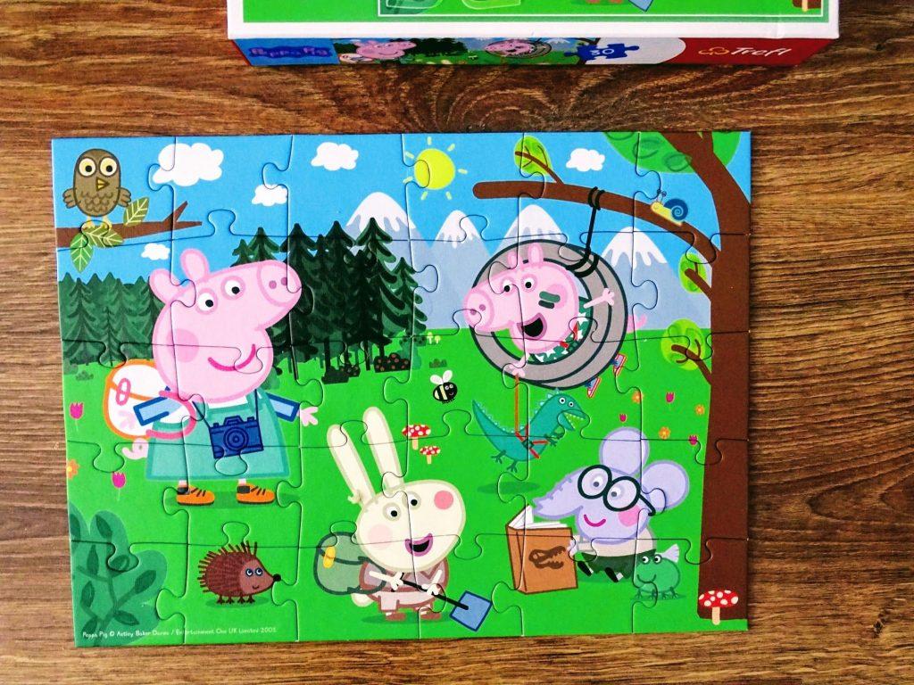 puzzle świnka peppa piknik pod lasem
