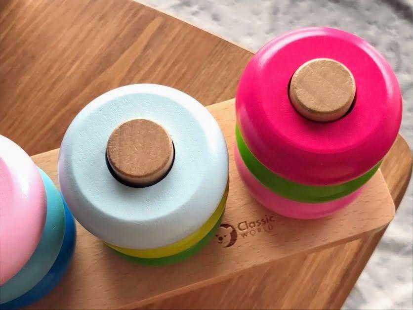 Drewniana układanka - równoważnia niezwykle ciekawa zabawka koło której żadne dziecko nie przejdzie obojętnie.
